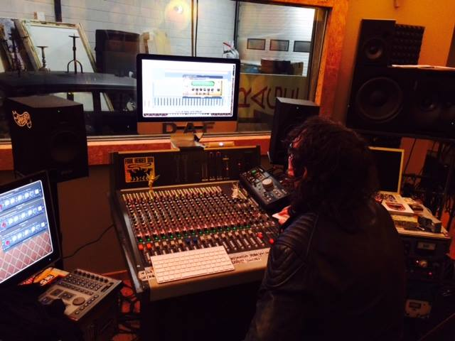 Mixing the new album by Peter van Elderen, Peter Pan Speedrock